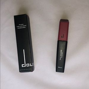 Doucce Punk Volumizer Mascara Black